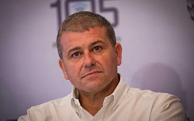 Moshe Edri, directeur-général du ministère de la Sécurité intérieure, durant une conférence de pesse pour le lancement du nouveau siège pour la protection de l'enfance sur internet, au ministère de la Sécurité intérieure, à Jérusalem, le 19 novembre 2018. (Crédit : Yonatan Sindel/Flash90)