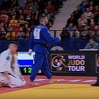 Le judoka israélien Peter Paltchik a remporté la médaille d'or au Grand Prix de La Haye au Pays-Bas, en novembre 2018. (Crédit : capture d'écran YouTube)