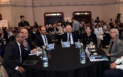 Le président Reuven Rivlin à la 7e conférence de l'Enseineent supérieur, le  6 novembre 2018 (Crédit : Chaim Zach/GPO)