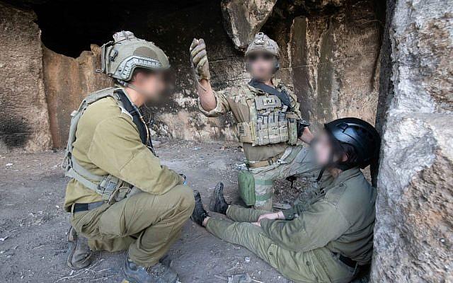 """Des troupes d'élite de recherche et de sauvetage de six pays s'entraînent en Israël dans le cadre de l'exercice """"Sky Angels"""" en novembre 2018. (Armée israélienne)"""
