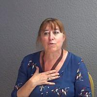 Marie-Jeanne Vincent, candidate de l'extrême-droite catholique, en France. (Crédit : capture d'écran YouTube)