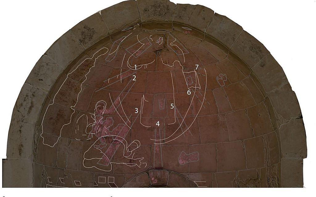 L'imagerie VIL de la partie supérieure de l'abside révèle des détails très importants, invisibles à l'œil nu et jamais détectés auparavant. Les chiffres indiquent les rayons de lumière. Le contour des blocs de pierre a été ajouté afin de mieux orienter les rayons et les figures dans l'abside (Crédit : Ravit Linn, 2016)