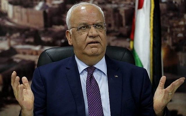 Saeb Erekat s'adresse aux journalistes dans la ville de Ramallah, en Cisjordanie, le 1er septembre 2018. (AFP/Ahmad Gharabli)