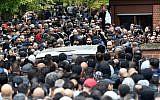 Les funérailles de Nidal Rabih, un délinquant multirécidiviste de 36 ans avait été tué de huit balles le dimanche précédent près d'un parc très fréquenté de Berlin le 13 septembre 2018. (Crédit : Paul Zinken / dpa / AFP)
