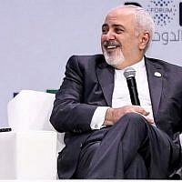 Le ministre iranien des Affaires étrangères Mohammad Javad Zarif durant une session au forum de Doha, au Qatar, le 15 décembre 2018 (AFP)