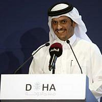 Le ministre qatari des Affaires étrangères, cheikh Mohammed ben Abderrahmane Al-Thanidelivers lors d'une conférence de deux jours, le Doha Forum, le 16 décembre 2018. (Crédit : KARIM JAAFAR / AFP)