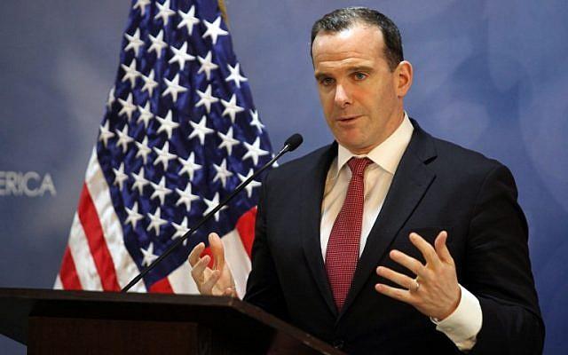 L'ex-envoyé spécial américain pour la coalition globale de lutte contre l'EI, Brett McGurk, lors d'une conférence de presse à Amman, le 6 novembre 2016 (Crédit : AHMAD ABDO / AFP)