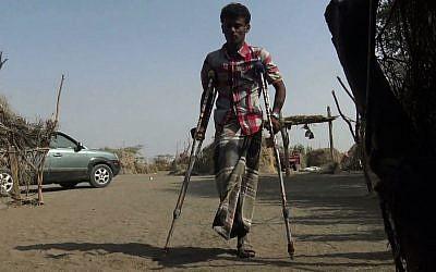Au Yémen, un homme victime des mines. (Crédit : AFPTV)
