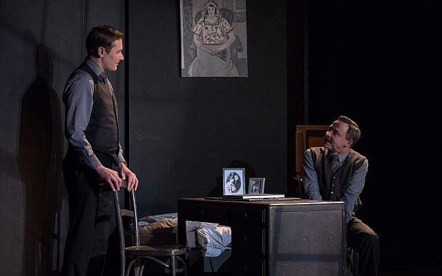 """Scène de la pièce """"Adieu Monsieur Haffmann"""" (Crédit: autorisation)"""