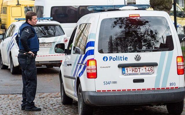 Photo d'illustration : Un véhicule de la police à Bruxelles, en Belgique, le 8 avril 2016 (Crédit :AP/Geert Vanden Wijngaert)
