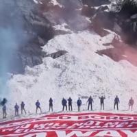 Génération Identitaire lors d'une opération dans les Alpes pour marquer  leur hostilité à l'entrée de migrants clandestins par la frontière italienne en août 2018 (Capture d'écran : YouTube)