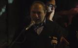 Chaim Silberstein s'exprime aux abords de la résidence du Premier ministre à Jérusalem lors d'un rassemblement de droite protestant contre la réponse gouvernementale aux attentats terroristes récents en Cisjordanie, le 13 décembre 2018 (Capture d'écran :  Twitter)