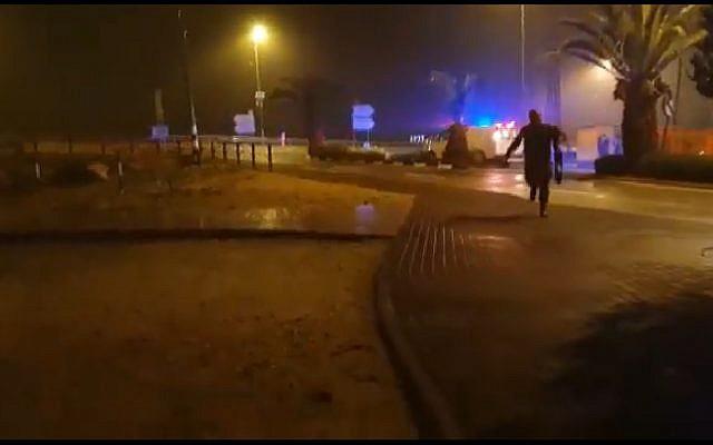 Capture d'écran d'une vidéo d'une fusillade au carrefour d'Ofra, en Cisjordanie, le 20 décembre 2018 (capture d'écran : Facebook)