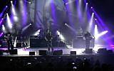 Capture d'écran d'une vidéo de UK Pink Floyd Experience se produisant à Tel Aviv en 2017. (YouTube)