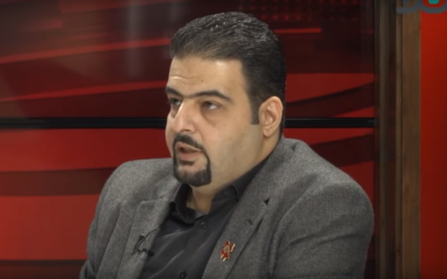 Le conseiller municipal de Haïfa Raja Zaatara, de la Liste arabe unie. (Capture d'écran YouTube)