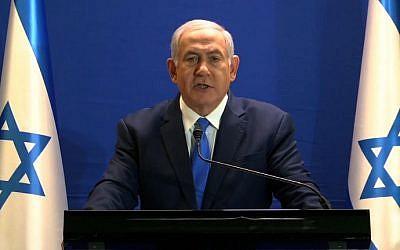 Le Premier ministre israélien Benjamin Netanyahu lors d'un discours en direct à la résidence du Premier ministre de Jérusalem, le 7 janvier 2019 (Capture d'écran d'une vidéo diffusée par le Likud/AFP)