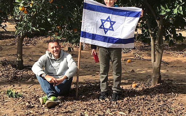 Des olim français fêtent Tou bichvat avec Hashomer Hachadash; (Crédit ; Hashomer Hachadash)