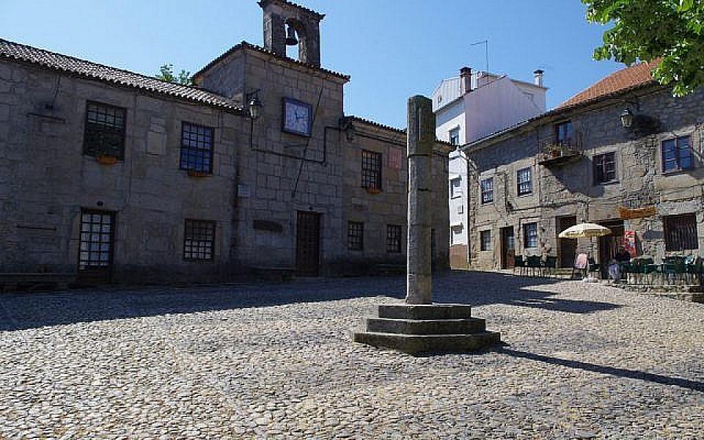 La ville portugaise de Belmonte où se trouvent de nombreux crypto-juifs (Crédit : CC BY Ken and Nyetta, Flickr)