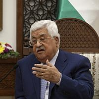 Le président de l'Autorité palestinienne Mahmoud Abbas à Ramallah, en Cisjordanie, le 27 juin 2018 (Crédit : Alaa Badarneh/Pool Photo via AP)