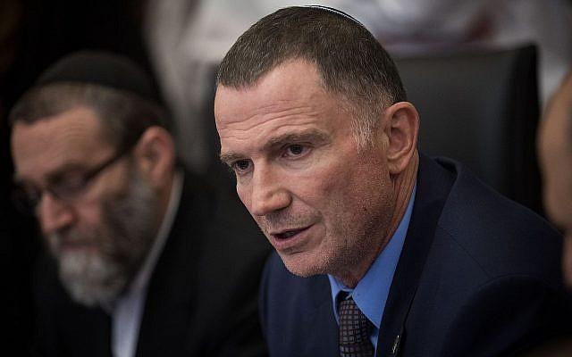 Le président de la Knesset, Yuli Edelstein, assiste à une réunion de la Commission à la Knesset, le 2 juillet 2018. (Crédit : Hadas Parush/Flash90)