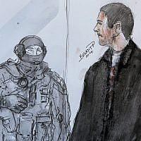 Croquis de Mehdi Nemmouche aux côtés d'un policier, à la Cour d'Appel de Versailles, le 12 juin 2014. (Crédit : AP Photo/Benoit P., File)