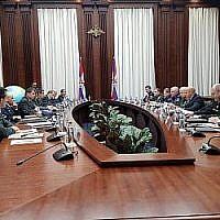 Les délégations militaires russe et israélienne se rencontrent à Moscou, en Russie, le 12 décembre 2018 (Crédit : Armée israélienne)