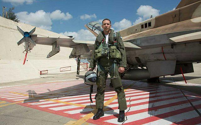 Le candidat de HaBayit HaYehudi, Matan Kahane, avant de quitter l'armée de l'air (Avichai Socher)