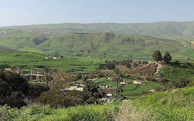 Vue de Naharayim et de l'île de la Paix, à la frontière israélo-jordanienne, le 26 janvier 2019. (Amanda Borschel-Dan)