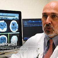 Dr. Paul Parizel, ancien président de la Société européenne de radiologie (Crédit: capture d'écran Aido/Youtube)