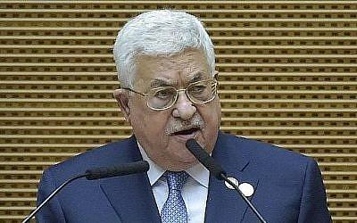 Le président de l'Autorité palestinienne  Mahmoud Abbas pendant le 32ème sommet de l'Union africaine à Addis Abeba le 10 février 2019 (Crédit :SIMON MAINA / AFP)
