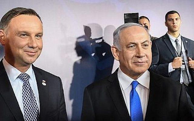 Le président polonais Andrzej Duda et le Premier ministre israélien Benjamin Netanyahu pendant la conférence sur la paix et la sécurité au Moyen-Orient à Varsovie, le 13 février 2019 (Crédit : Janek SKARZYNSKI / AFP)