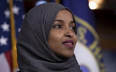 La représentante Ilhan Omar, démocrate du Minnesota à Washington, le 30 novembre 2018 (Crédit : AP Photo/J. Scott Applewhite)
