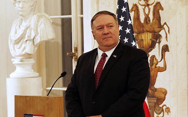Le secrétaire d'État américain Mike Pompeo lors d'une conférence de presse avec le ministre polonais des Affaires étrangères au palais Lazienki, lors de sa visite à Varsovie, Pologne, le mardi 12 février 2019. (AP Photo/Czarek Sokolowski).