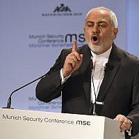 Le ministre iranien des Affaires étrangères, Mohammad Javad Zarif, prononce une allocution lors de la Conférence de Munich sur la sécurité à Munich, en Allemagne, le 17 février 2019. (AP Photo/Kerstin Joensson)