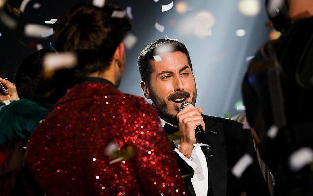 """Kobi Marimi, vainqueur de l'émission """"Kohav HaBa"""", lors de la finale le 12 février 2019. Il représentera ainsi Israël lors de l'Eurovision à Tel Aviv.(Crédit : Noam Revkin Fenton/Flash90)"""