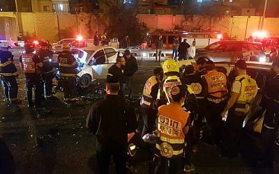 Un accident de la route mortel sur l'autoroute 4, le 21 février 2019. (Crédit : Issachar Weiss/MDA)