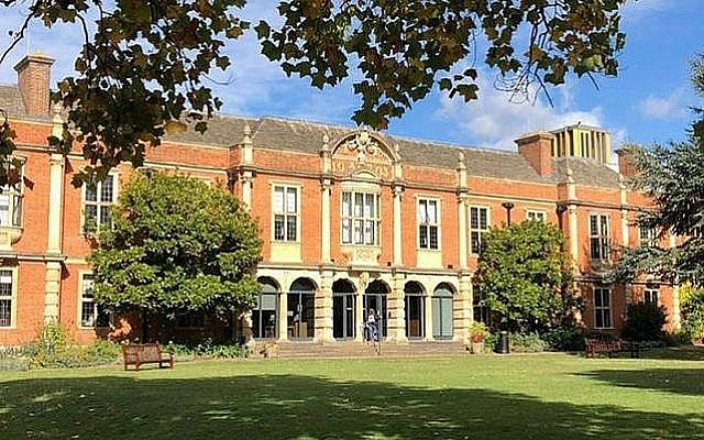 Bibliothèque du Somerville College, Oxford, Bibliothèque (Aivin G via Wikimedia Commons)
