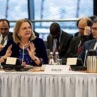 La ministere des Affaires étrangères autrichienne Karin Kneissl s'exprime lors du sommet de Varsovie sur le Moyen-Orient, le 14 février 2019 (Crédit : Angelika Lauber)