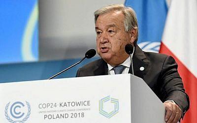 Le secrétaire général des Nations unies Antonio Guterres, à l'ouverture du sommet de la COP24 à Katowice, en Pologne, le 3 décembre 2018. (Crédit : Janek SKARZYNSKI/AFP)