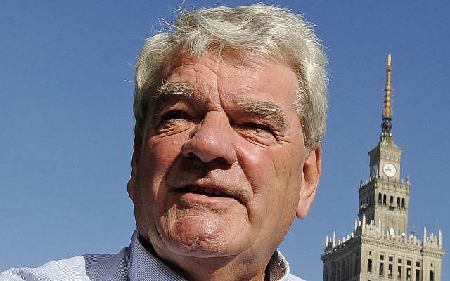 L'écrivain et historien négationniste de la Shoah David Irving (Crédit : AP/Alik Keplicz/File)