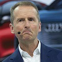 Herbert Diess, PDG de Volkswagen AG, attà Wolfsburg, le 12 mars 2019. (Crédit : Christophe Gateau/dpa via AP)