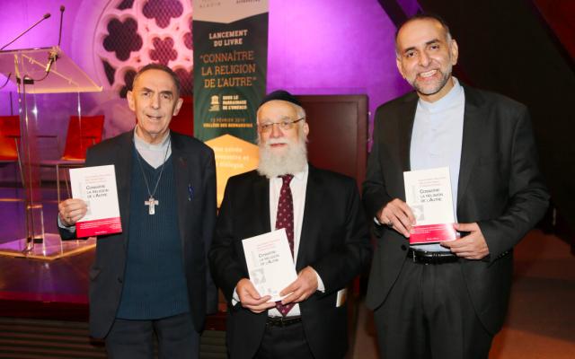 Les trois co-auteurs de l'ouvrage, Monseigneur Claude Dagens, Alexis Blum et le Professeur Wallid El-Ansari. (Crédit photo : Alain Azria / Projet Aladin)