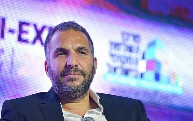 Ron Kobi, le maire de Tibériade,  à la Conférence annuelle de l'innovation à Tel Aviv, le 27 février 2019 (Crédit : Flash90)