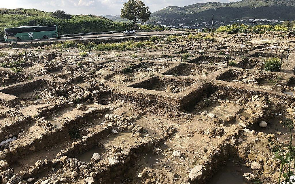 Les fouilles de Tel Beit Shemesh, le 17 mars 2019 (Crédit : Amanda Borschel-Dan/Times of Israel)