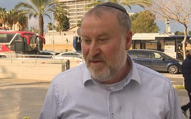 Capture d'écran du procureur général Avichai Mandelblit s'entretenant avec la Douzième chaîne d'information, dans un reportage diffusé le 18 janvier 2019. (Hadashot)