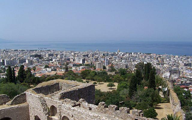 Vue de Patras depuis la forteresse de la ville. Achaïe, Grèce. (© Guillaume Piolle / Wikipédia CC BY 3.0)