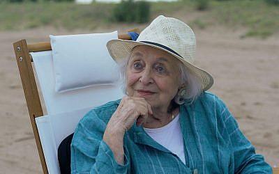 """Rebecca Schull incarne une matriarche juive cachant un terrible secret sur son passé dans le film """"The Last."""" (Crédit : Plainview Pictures)"""