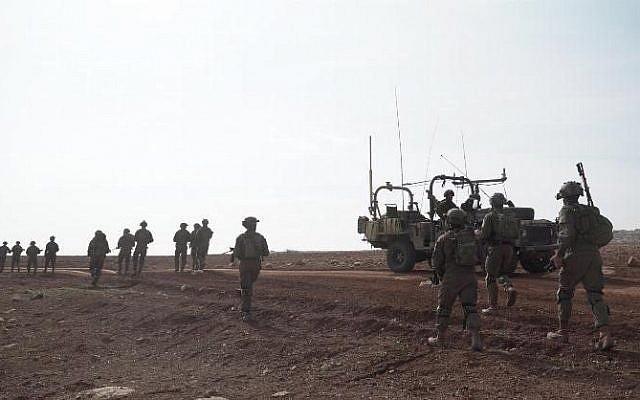Les soldats israéliens réagissent à une infiltration deux deux Palestiniens depuis le nord de la bande de Gaza, le 8 mars 2019 (Crédit : Yediot Mehashetah)