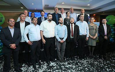Les candidats de l'Union des partis de droite issus des partis HaBayit HaYehudi et Union nationale lors du lancement de la campagne de la liste commune à l'hôtel Jerusalem Gardens, le 11 mars 2019. (Miri Shmanovitz)