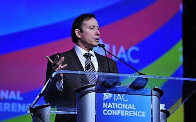 Adam Milstein, dont la fondation familiale a fait des dons à des groupes affiliés à l'AIPAC ainsi qu'à des groupes pro-Israël et juifs. (Crédit : autorisation de l'Israeli-American Council via JTA)